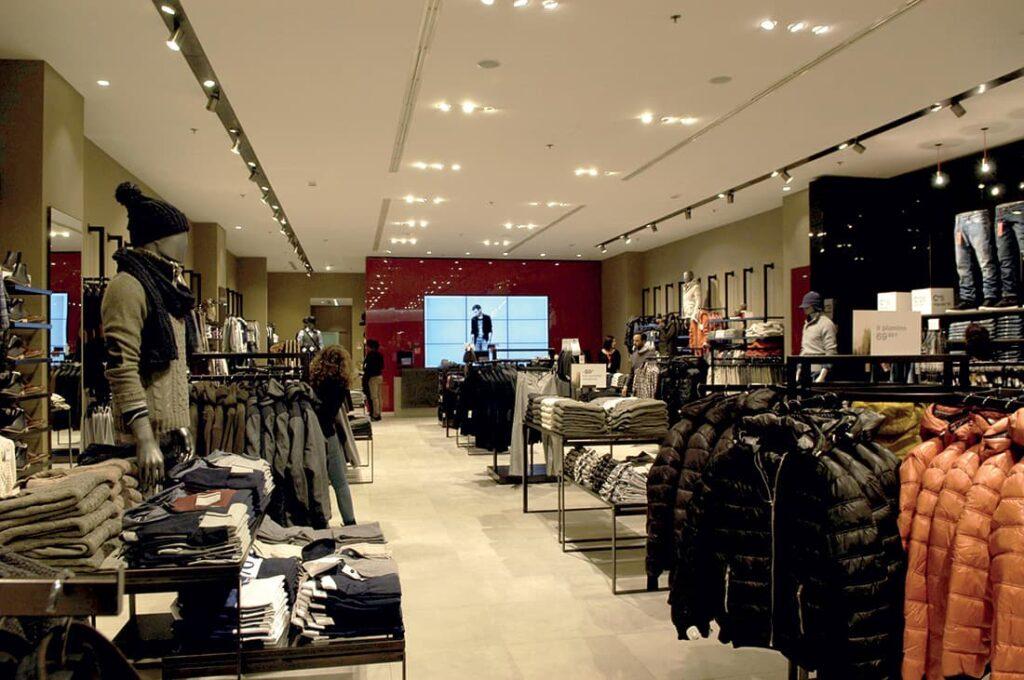 progettazione arredamento negozio di abbigliamento